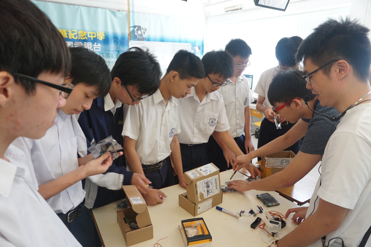 Advanced 3D printing and Basic Robotic Design (Secondary School)